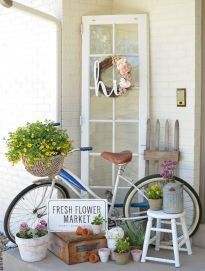 ✓ 55 Farmhouse Front Porch Decor Ideas - We have now some concepts for straightforward and inexpensive vintage farmhouse decor, you may wish to perceive the place it's doable to search out these items. Summer Decoration, Summer Porch Decor, Summer Front Porches, Small Porches, Small Porch Decorating, Veranda Design, Vintage Porch, Vintage Decor, Farmhouse Decor