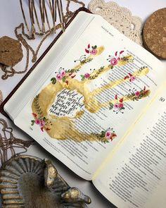 Isaiah Bible Journaling by Kate Peiffer Bullet Journal Art, Bullet Journal Ideas Pages, Bullet Journal Inspiration, Journal Pages, Journals, Scripture Art, Bible Art, Book Art, Bibel Journal