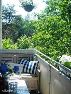 Summer oasis on the balcony / Kesäkeidas parvekkeella