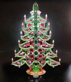 Unikat! XXL Strass Weihnachtsbaum in Premium-Qualität, in Handarbeit hergestellt.