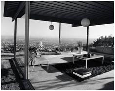 Case Study House No. 22, Los Angeles, CA. 1960,  Architect Pierre Koenig Photo Julius Shulman