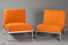 """JOSEPH ANDRÉ MOTTE (1925-2013), Paire de chauffeuses modèle """"Samouraï"""" en drap de laine coton orange chiné jaune. Piètement métallique chromé. Edition: Airborne, circa 1960, H: 70 cm - L: 66 cm - P: 71 cm. Adjugé 450 euros. ERA Enchères, Villefranche-sur-Saône, 2016. Villefranche Sur Saône, Lots, Circa, Orange, 2013, Decoration, Joseph, Accent Chairs, Design"""