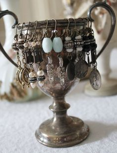 This site is a gorgeous collection of confections for the eye. Beautiful examples of display and crafting, such as using a fatigued and tarnished silver goblet to display found object jewelry. Jewelry Booth, Jewelry Art, Jewelry Design, Silver Jewelry, Silver Ring, Silver Earrings, Jewelry Display Stands, Jewelry Stand, Jewelry Holder