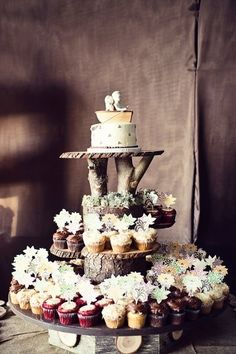 rustic wedding cakes | Branch pedestal.