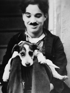Photo of ¢нαяℓιє for fans of Charlie Chaplin 31763031 Charlie Chaplin, Old Hollywood Movies, Classic Hollywood, Perros Jack Russell, The Kid 1921, Chaplin Film, Charles Spencer Chaplin, Vevey, Fritz Lang