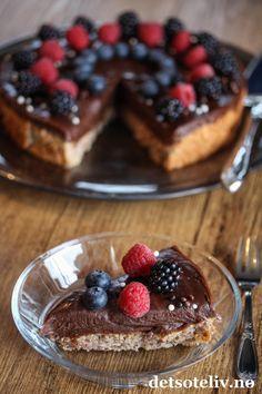 Suksesskake med sjokolade   Det søte liv Frisk, Baked Goods, Waffles, Baking, Sweet Stuff, Breakfast, Dessert, Food, Meal