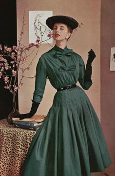 Jacques Faith green dress with double bows, 1953. #vintage #1950s #fashion