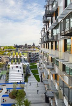 Via Verde affordable housing in the south Bronx (Dattner Architects, Grimshaw Architects) Green Architecture, Architecture Details, Landscape Architecture, Building Architecture, Urban Landscape, Landscape Design, New York City, Public Space Design, Public Spaces