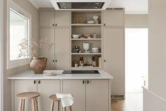Simple Kitchen Design, Kitchen Room Design, Kitchen Interior, Kitchen Decor, Tudor Kitchen, Beige Kitchen, Kitchen Living, Scandinavian Kitchen, Apartment Interior Design