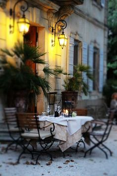 Outdoor Dining - Provence via Jean Gray ᘡղbᘠ Outdoor Rooms, Outdoor Dining, Patio Dining, Dining Set, Dining Table, Provence France, France 3, Provence Style, Al Fresco Dining