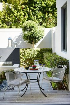 Wooden Decking & Box Hedges in Decking & Patio Design Ideas on HOUSE. How to make an impact with a tiny terrace or a prodigious patio.