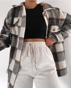 Casual Outfits 699395017119815639 - Idée de tenue – Outfit-Ideen – Kleidung, Source by Teen Fashion Outfits, Mode Outfits, Retro Outfits, Look Fashion, Vintage Outfits, Girl Outfits, Female Fashion, Fashion Hair, Outfits For School