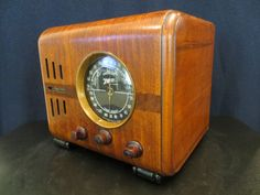 VINTAGE 1937 OLD ZENITH CLASSIC BLACK DIAL ART DECO MID CENTURY WOOD TUBE RADIO