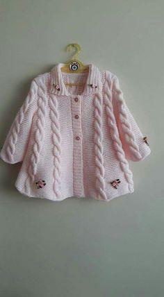 Knitting patterns, knitting designs, knitting for beginners. Baby Cardigan Knitting Pattern, Knitted Baby Cardigan, Knitted Coat, Baby Knitting Patterns, Baby Patterns, Diy Crafts Knitting, Knitting For Kids, Girls Sweaters, Baby Sweaters