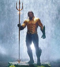 "'Aquaman' movie: First image of Jason Momoa in iconic Aquaman outfit released. Pictures has released the first image of Jason Momoa wearing the iconic costume of the titular hero he plays in the comic-book adaptation, ""Aquaman. Jason Momoa Aquaman, Christian Slater, Batman Vs Superman, Zachary Levi, Amber Heard, Birds Of Prey, Grey Damon, Justice League, Wonder Woman"