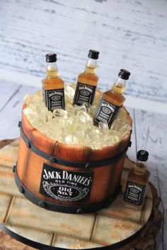 Jack Daniels CAke - cake by Cake Addict - CakesDecor Jack Daniels Torte, Bolo Jack Daniels, Festa Jack Daniels, Jack Daniels Birthday, Dessert Table Birthday, Birthday Cakes For Men, Cakes For Boys, 60th Birthday, Cupcakes