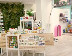 Góndola Farmacia COR · Interior ShopInterior IdeasMerchandising IdeasBooth  DesignPharmacy ...