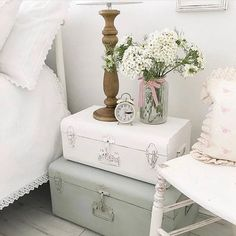 Shabby to Chic: Five Ways to Revamp and Modernize Your Shabby Chic Room - Sweet Home And Garden Cheap Furniture, Shabby Chic Furniture, Painted Furniture, Blue Shabby Chic, Shabby Chic Decor, Shabby Chic Bedrooms, Shabby Chic Homes, Suitcase Decor, Shabby Chic Antiques
