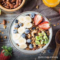 Skipping breakfast affects health, cognitive function and work efficiency Ackerman Cancer Center Balsamic Glaze Recipes, Curried Lentil Soup, Go Veggie, Meal Replacement Smoothies, Healthy Living Magazine, Weight Loss Snacks, Health Breakfast, Health Snacks, Tea Recipes