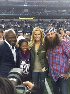 Emmitt Smith, Korie and Willie Robertson at the Cowboys vs. Indy game #DallasCowboys #INDvsDAL #DuckyDynasty