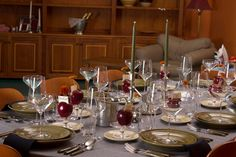 Table Setting: A Peek Into the Past - Thanksgiving