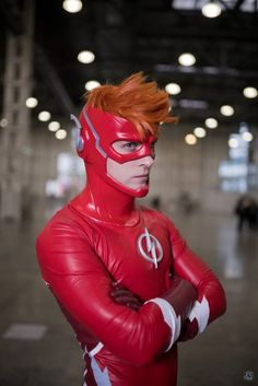 The Flash Cosplayer: GraysonFin cosplay Photography: PH✖DK 'dikomillo' Flash Cosplay, Dc Cosplay, Male Cosplay, Cosplay Outfits, Best Cosplay, Cosplay Costumes, Anime Cosplay, Robin Cosplay, Cosplay Ideas