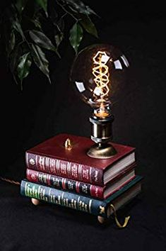 Handmade Vintage Style Upcycled Unique Retro Design Lampe Unikat: Amazon.de: Handmade Book Lamp, Vintage Style, Vintage Fashion, Handmade Lamps, Upcycled Vintage, Retro Design, Christmas Ornaments, Holiday Decor, Unique