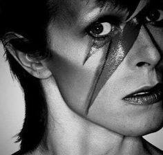 David Bowie with a lightning bolt painted over his eye. Ziggy Stardust, David Jones, Brian Duffy, Ziggy Played Guitar, Nastassja Kinski, Aladdin Sane, The Thin White Duke, Major Tom, Music Icon
