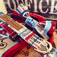 Our London a Blocks style available on toppooch.com #london #dogcollar