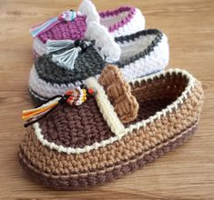 You will love these super cute crochet baby loafers pattern ideas. We have something for everyone and some of the most popular patterns going. Pattern Baby, Crochet Shoes Pattern, Shoe Pattern, Crochet Baby Shoes, Cute Crochet, Baby Patterns, Crochet Hooks, Crochet Patterns, Pattern Ideas