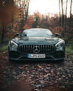 mercedes amg Alright, autumn, bring it on. Mercedes Benz Suv, Carros Mercedes Benz, Super Sport Cars, Super Cars, Gts Amg, Muscle Cars, Mercedes Wallpaper, Merc Benz, Mercedez Benz