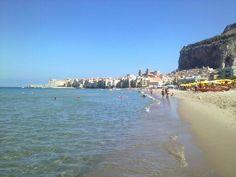Cefalù vista dalla spiaggia