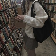 Autumn Aesthetic, Book Aesthetic, Aesthetic Pictures, Aesthetic Dark, Best Seasons, Oui Oui, My Vibe, Photo Dump, Sweater Weather