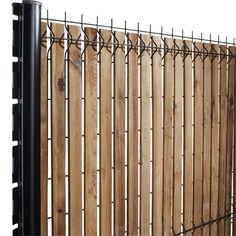 Ideas For A Garden Fence Design - Uncinetto Door Gate Design, Fence Design, Garden Design, Backyard Fences, Backyard Projects, Backyard Landscaping, Landscape Walls, Landscape Design, Black Chain Link Fence