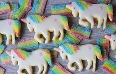 BÄM! Volle Regenbogen-Dröhnung! Zurück in die 90er, zurück in die Zeit als ich auf dem Fußboden meines Kinderzimmers saß und mit Zauberp...