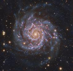 PixInsight — Face-On Spiral Galaxy Messier 74