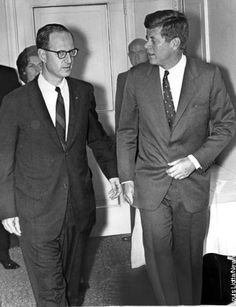 U.S. Attorney Robert Morgenthau and President John Kennedy at the Carlyle Hotel.