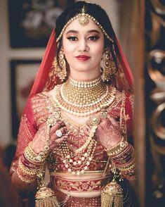 Indian Bridal Outfits, Indian Bridal Fashion, Indian Bridal Wear, Pakistani Bridal, Indian Wedding Pictures, Indian Wedding Bride, Desi Wedding, Indian Weddings, Best Bridal Makeup