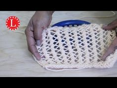 LOOM KNITTING STITCHES Lace Stitch on the Loom (The Faggot) Loomahat - YouTube