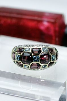ガーネットとブルートパーズのVolume ring 1本で絵になるリングです Blue Topaz, Jewelry, Jewels, Schmuck, Jewerly, Jewelery, Jewlery, Fine Jewelry, Ornament