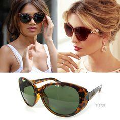 ¿No sabes de qué color comprarte las nuevas gafas de sol? ¿Qué tal las monturas bicolor negras y marrón? Están de moda y a nuestras celebrities les encantan.   ¡Seguro que te quedan perfectas! ¡Te esperamos!  #IvankaTrump #NicoleScherzinger