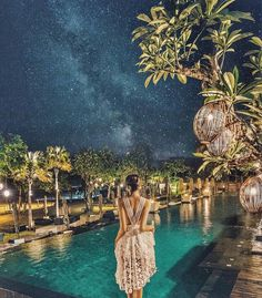 Magical sky at Anantara Resort Seminyak  Experience by @Rajveerjohal  Share your amazing Bali's experiences with us by tagging us @insight_bali  Love our earth and save water for future life  Lets keep our Bali clean for locals expats and travelers  #bali #indonesia #wonderfulindonesia #visitbali #balidestination #worlddestination #legian #kuta #seminyak #canggu #ubud #yoga #instatravel #resort #villa #balivilla #balihotel #hotel #baliresort #food #foodie #instafood #balifood by insight_bali