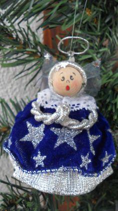 Angioletto blu e argento per decorare l'albero di Natale