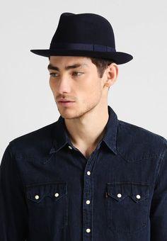 ¡Consigue este tipo de sombrero básico de Tiger Of Sweden ahora! Haz clic  para ver los detalles. Envíos gratis a toda España. Tiger of Sweden MASSI  Sombrero ... 4798d70941d