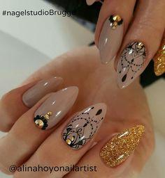 Mandala nails alina hoyo