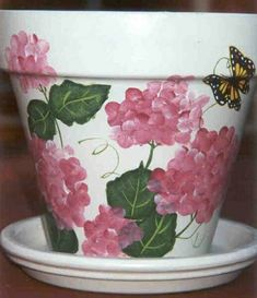 - All About Gardens Clay Flower Pots, Flower Pot Crafts, Clay Pots, Clay Pot Projects, Clay Pot Crafts, Painted Plant Pots, Painted Flower Pots, Terra Cotta, Decorated Flower Pots