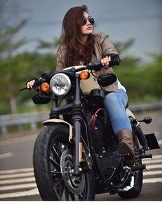 Cars Discover Harley Davidson Men Forty Eight harley davidson scrambler bobbers. Honda Cb750, Ducati, Moto Guzzi, Cute Girl Poses, Girl Photo Poses, Girl Photos, Harley Davidson Images, Motorbike Girl, Motorcycle Style