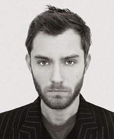 Jude Law. Possibly my favorite actor becaus he does crazy so damn well :)