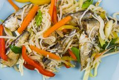 yakisoba and tsukemono Easy Salmon Recipes, Fish Recipes, Lunch Recipes, Healthy Recipes, Stir Fry Fish, Sardine Recipes, Seafood Restaurant, Russian Recipes, Fried Fish