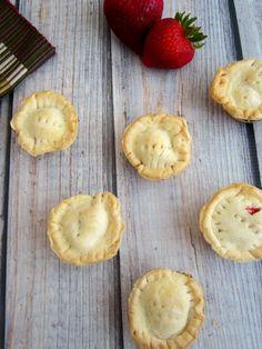 strawberry pie bites